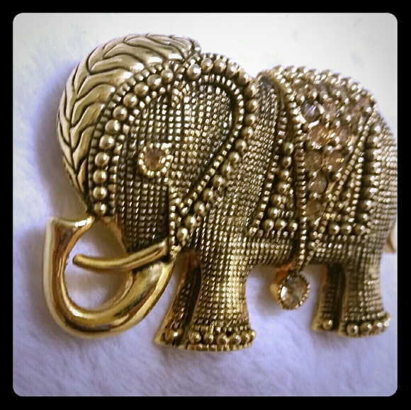 Vintage Jewelry - Gorgeous vtg unsigned large elephant brooch pin